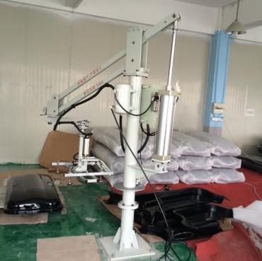苏州激光机上下料助力机械手大型真空吸盘玻璃平面板材助力机械