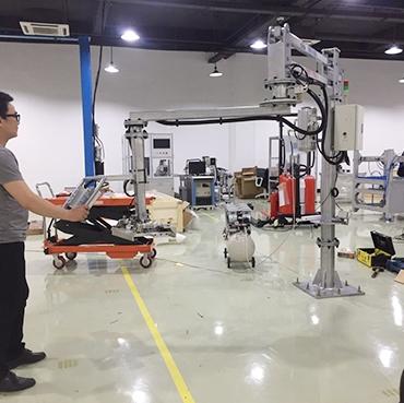 地面移动式助力机械手